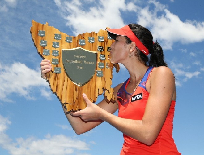 World no.58 Garbine Muguruza kisses her trophy. Picture: Getty Images